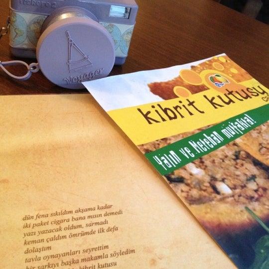 Das Foto wurde bei Kibrit Kutusu von Doruk A. am 12/9/2012 aufgenommen