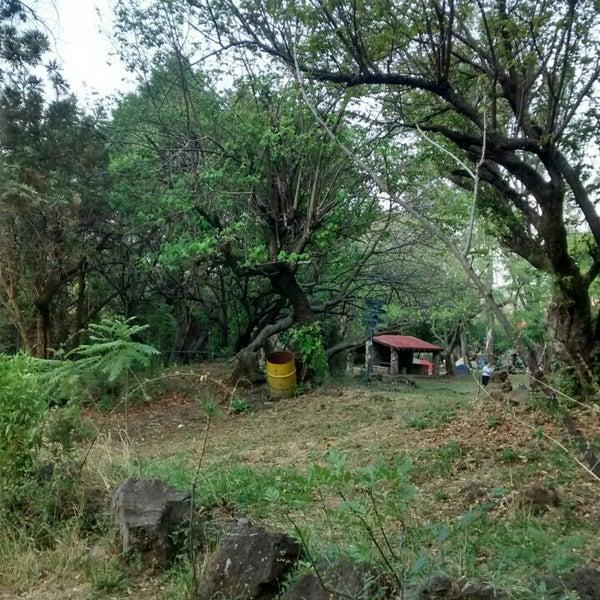 รูปภาพถ่ายที่ Campo Escuela Scout Meztitla โดย Payoo P. เมื่อ 4/25/2015