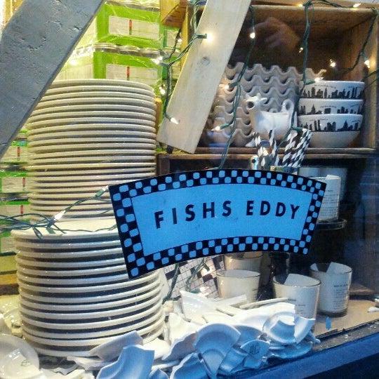 Das Foto wurde bei Fishs Eddy von Brynne Z. am 12/23/2012 aufgenommen