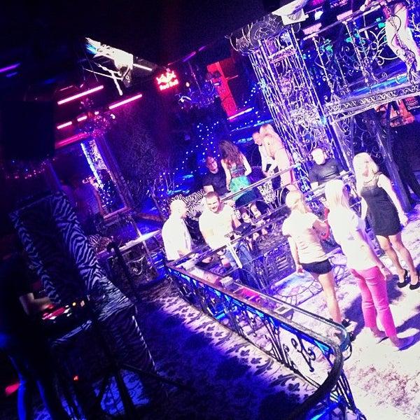 Gold ночной клуб смоленска ночной клуб мокап