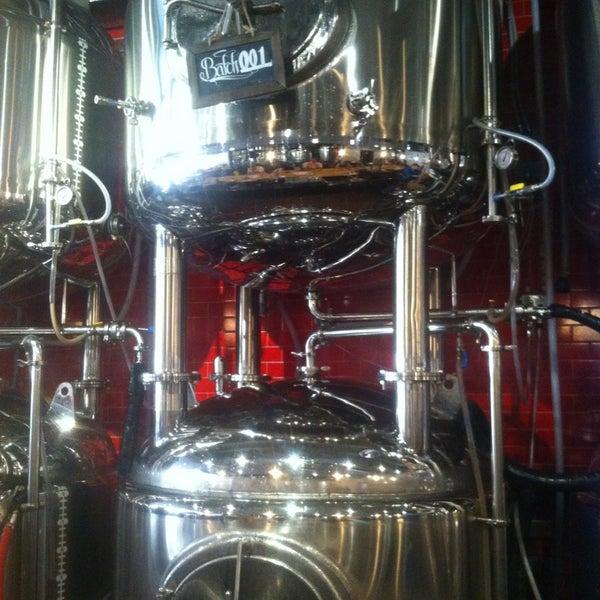 7/11/2013에 Chris V.님이 DryHop Brewers에서 찍은 사진