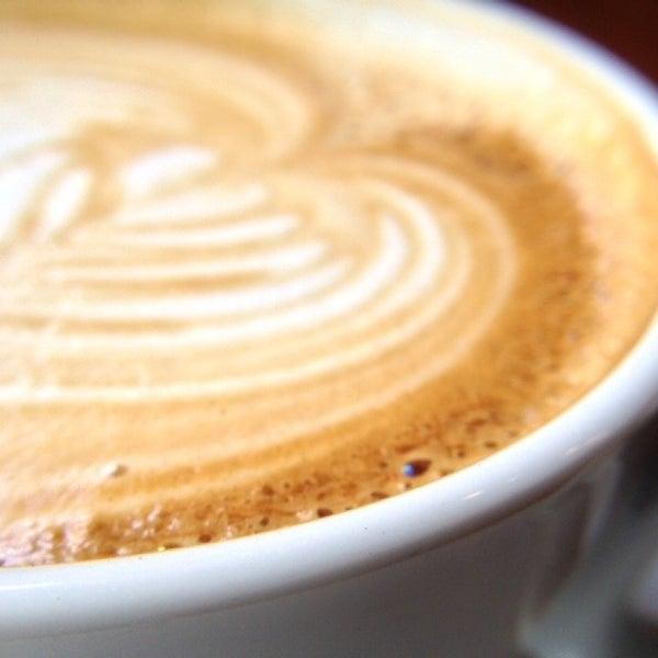 Foto diambil di Brew Lab Coffee oleh Jason L. pada 5/31/2013