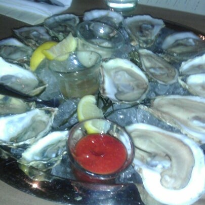 Photo prise au Henlopen City Oyster House par s4mie_sosa le12/24/2012