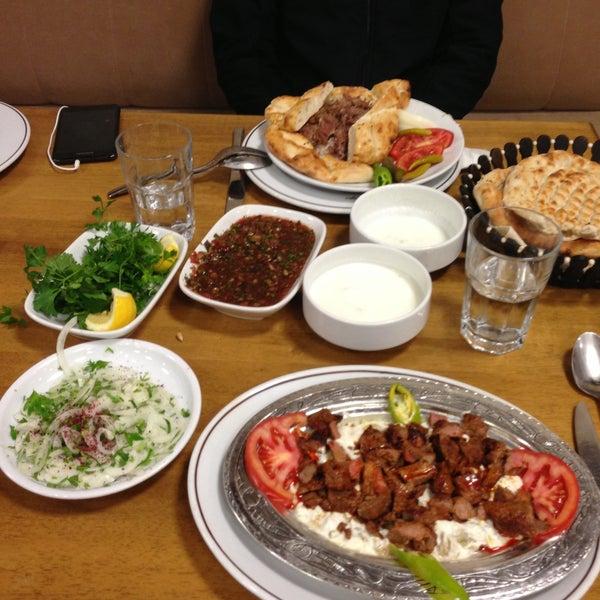 Снимок сделан в Çulcuoğlu Restaurant пользователем Zarif A. 5/14/2013