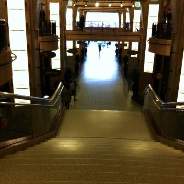 Foto diambil di Dolby Theatre oleh George B. pada 1/12/2013