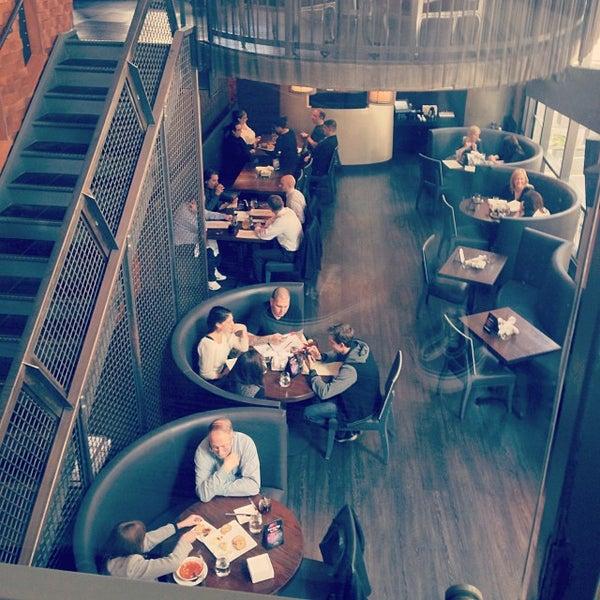 Das Foto wurde bei Freestyle Food + Drink von dana hotel and spa am 10/24/2013 aufgenommen