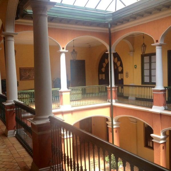 รูปภาพถ่ายที่ Hotel de la Opera โดย Pablo C. เมื่อ 2/3/2014