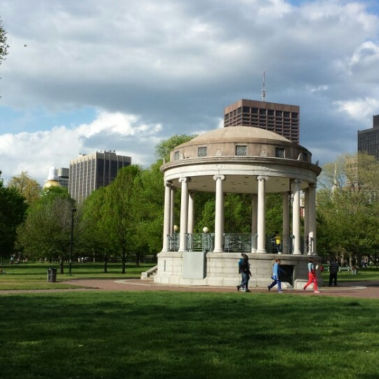 Foto scattata a Boston Common da Ye Z. il 5/12/2013