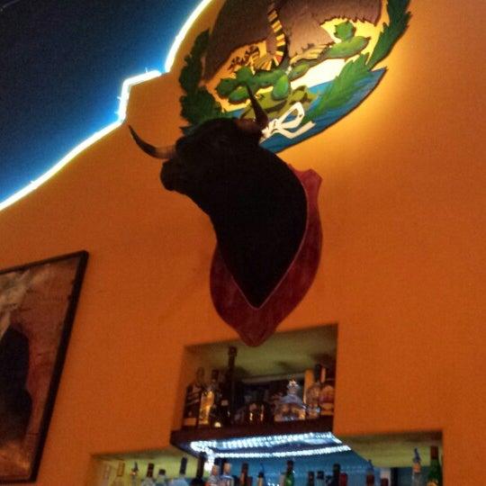 Das Foto wurde bei Mi Pueblito Restaurant Bar & Grill von Bob E. am 11/19/2013 aufgenommen