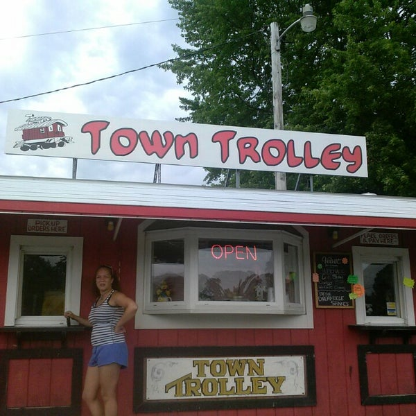 The Town Trolley Ice Cream Shop In Huntsville