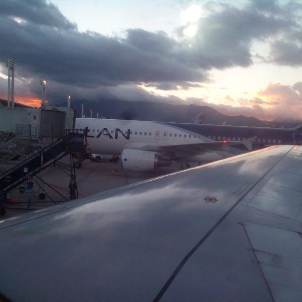 Foto tomada en Aeropuerto Internacional Comodoro Arturo Merino Benítez (SCL) por Gonzalo Q. el 10/20/2013