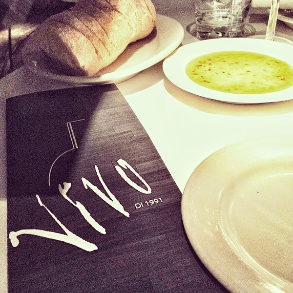 Foto diambil di Vivo Restaurant oleh Jessica P. pada 1/4/2014