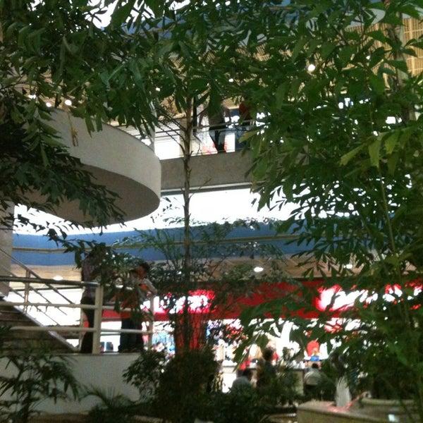 4/20/2013 tarihinde André Z.ziyaretçi tarafından Shopping Center Penha'de çekilen fotoğraf