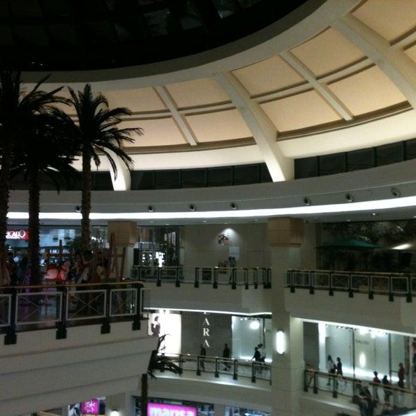 Das Foto wurde bei Shopping Iguatemi von André Z. am 7/27/2013 aufgenommen