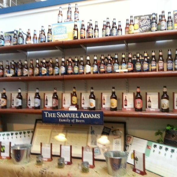 Foto tirada no(a) Samuel Adams Brewery por Heather H. em 7/7/2013