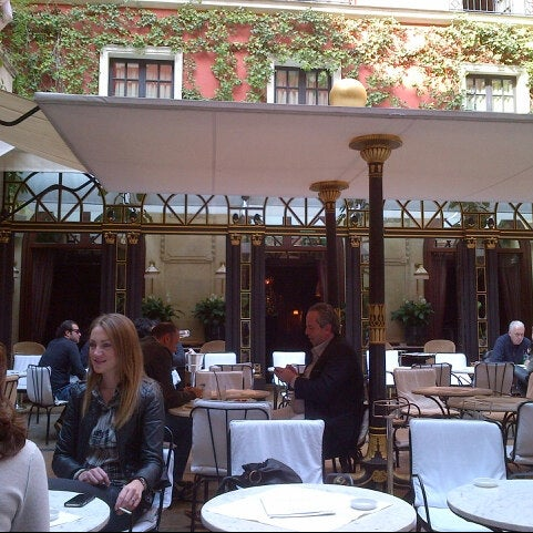 Foto diambil di Hôtel Costes oleh Gio C. pada 5/2/2013