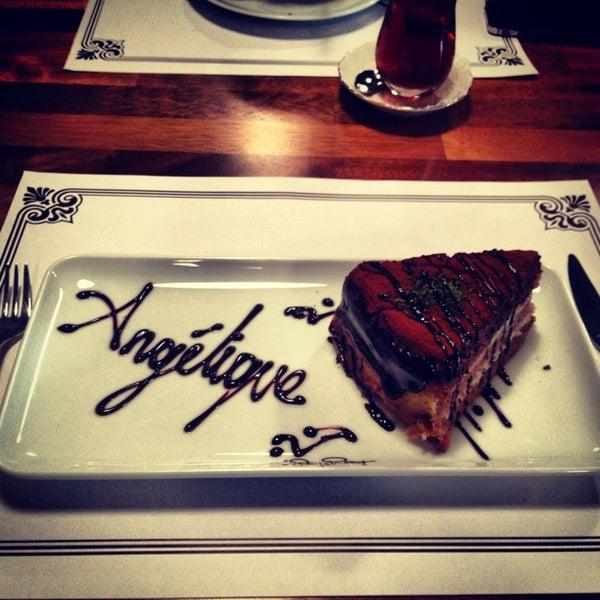 Foto tomada en Del Moon Coffee & Food & Hookah por nebahatt el 1/13/2013