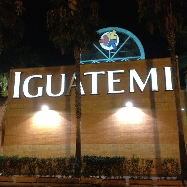 รูปภาพถ่ายที่ Shopping Iguatemi โดย Tom L. เมื่อ 8/4/2013