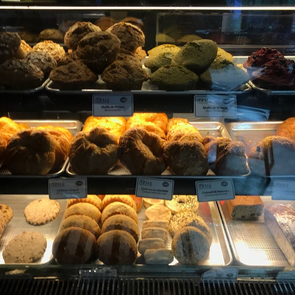 Foto tomada en Peponne Healthy Food & Bakery por Ir Bing Y. el 9/15/2017