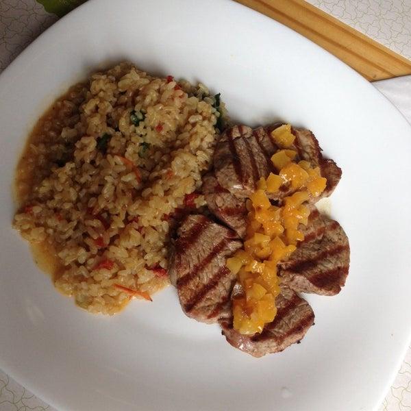 Foto diambil di Bien! Gastronomia Funcional oleh Daniel G. pada 3/17/2014