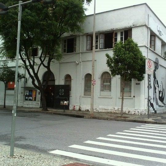 Das Foto wurde bei CentoeQuatro von Yardena S. am 11/10/2012 aufgenommen