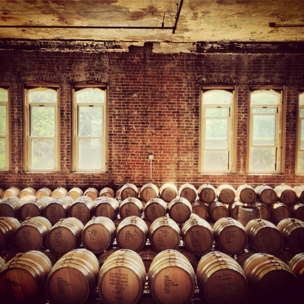 Foto scattata a Kings County Distillery da Sarah P. il 7/27/2013