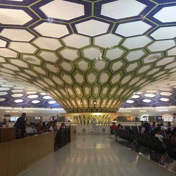 Photo prise au Abu Dhabi International Airport (AUH) par Nasir A. le6/1/2013