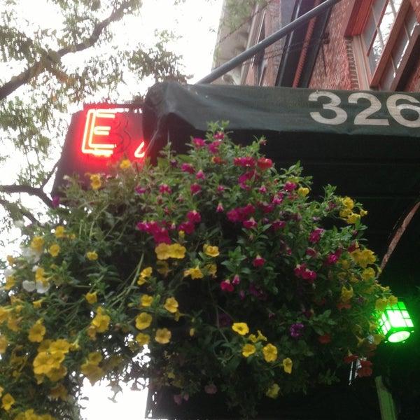 6/4/2013にZeb H.がEar Innで撮った写真