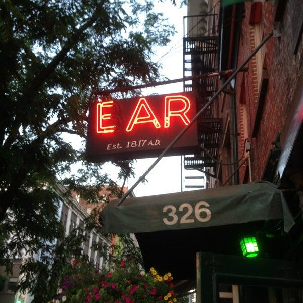 Снимок сделан в Ear Inn пользователем Zeb H. 6/21/2013