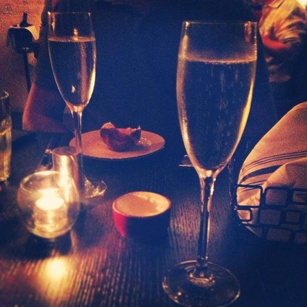 Photo prise au NoPa Kitchen + Bar par Laura C. le8/24/2013
