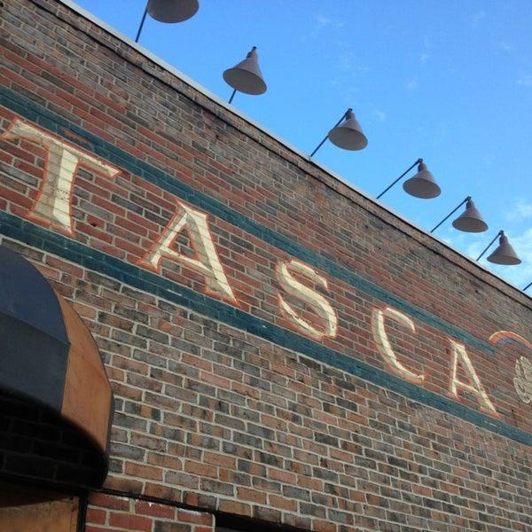 รูปภาพถ่ายที่ Tasca Spanish Tapas Restaurant & Bar โดย Eric A. เมื่อ 6/30/2013