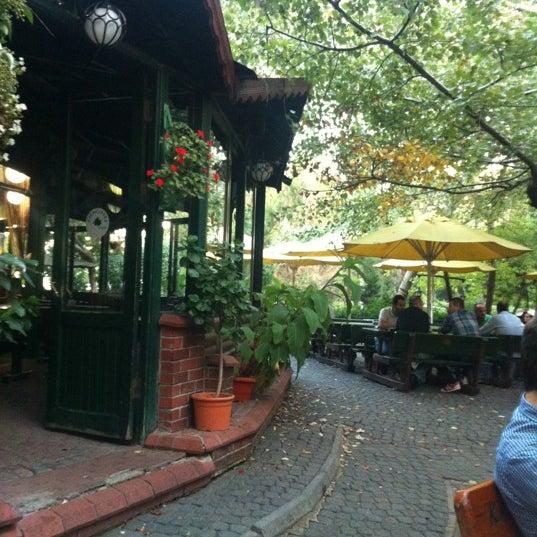 Foto diambil di Kavaklı Park oleh Nezi® pada 10/6/2012