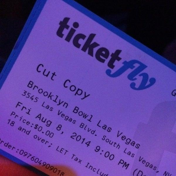 8/9/2014 tarihinde Joel L.ziyaretçi tarafından Brooklyn Bowl Las Vegas'de çekilen fotoğraf