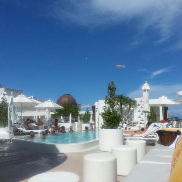 6/28/2013にCedric A.がDream South Beach Hotelで撮った写真