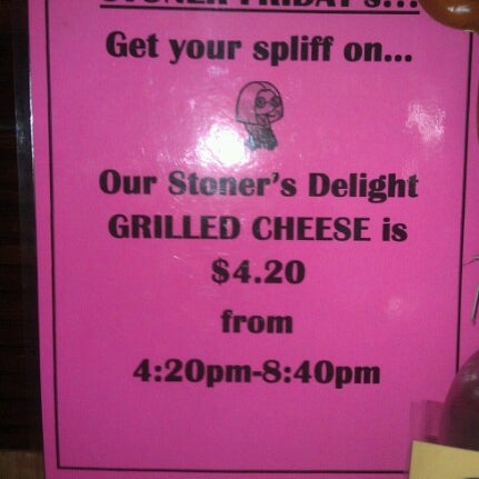 Foto tirada no(a) JoeDough Sandwich Shop por Nicole em 10/28/2012