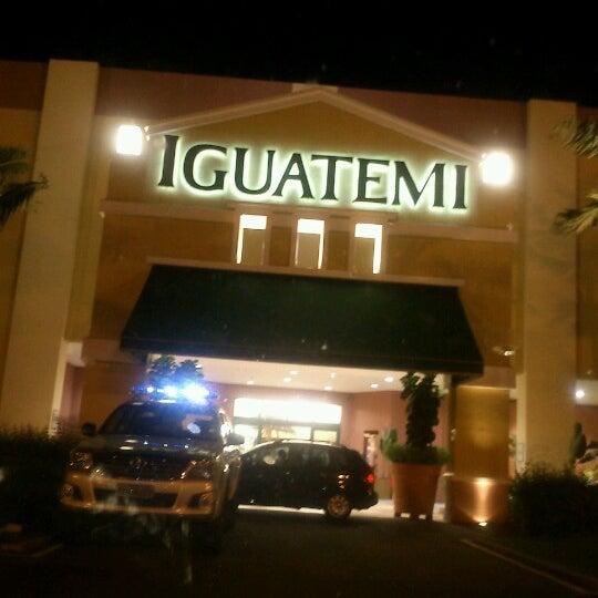 Das Foto wurde bei Shopping Iguatemi von Monica B. am 3/30/2013 aufgenommen