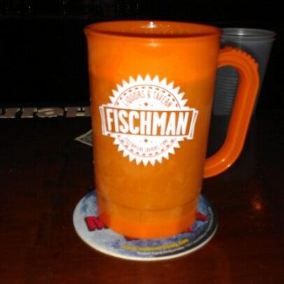 10/13/2012 tarihinde Keith B.ziyaretçi tarafından Fischman Liquors & Tavern'de çekilen fotoğraf