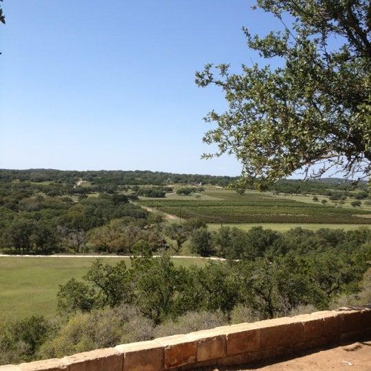 Foto diambil di Driftwood Estate Winery oleh Linda S. pada 9/23/2012