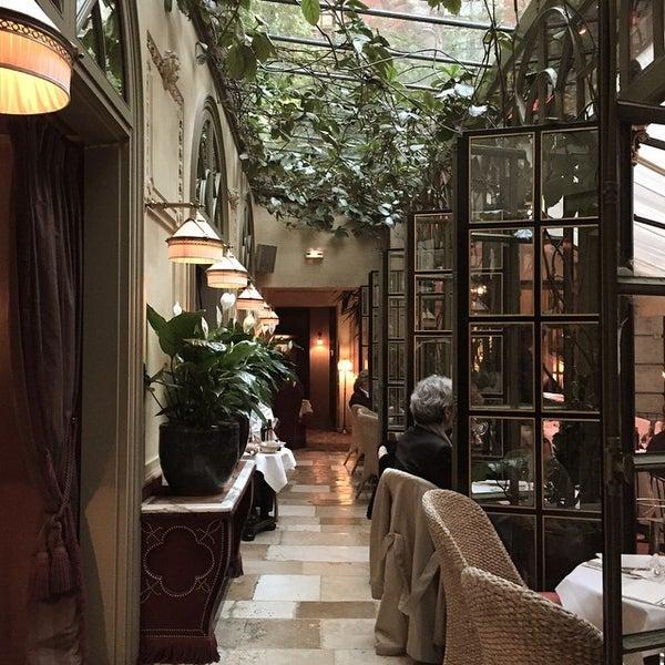 Foto diambil di Hôtel Costes oleh David N. pada 4/30/2015