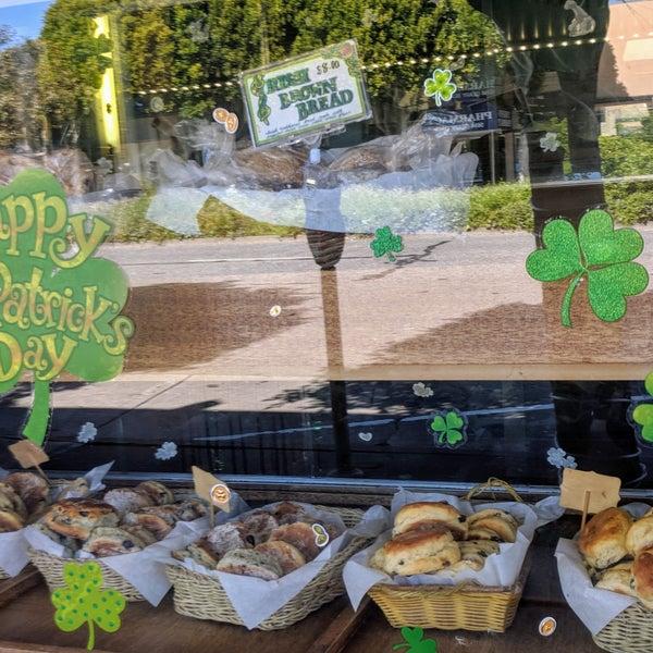 Foto tirada no(a) John Campbell's Irish Bakery por Catarina L. em 3/28/2018