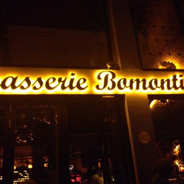Photo prise au Brasserie Bomonti par Özge G. le7/3/2013