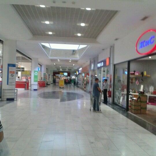 10/9/2012 tarihinde Hakan T.ziyaretçi tarafından CarrefourSA Karşıyaka AVM'de çekilen fotoğraf