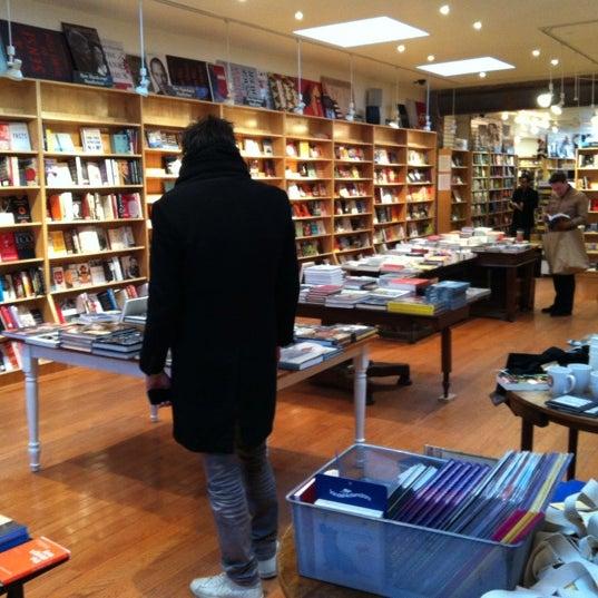 Das Foto wurde bei BookCourt von Van V. am 1/1/2013 aufgenommen