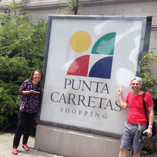 Foto tirada no(a) Punta Carretas Shopping por Tony P. em 2/11/2013