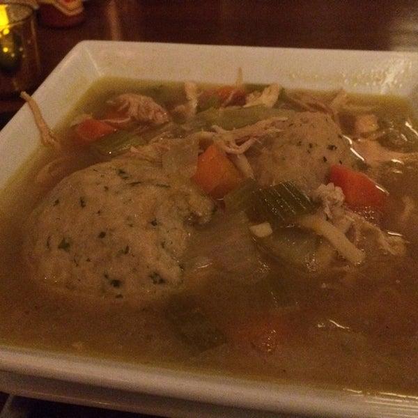 Das Foto wurde bei Mo's Restaurant von Fantastical L. am 8/20/2014 aufgenommen
