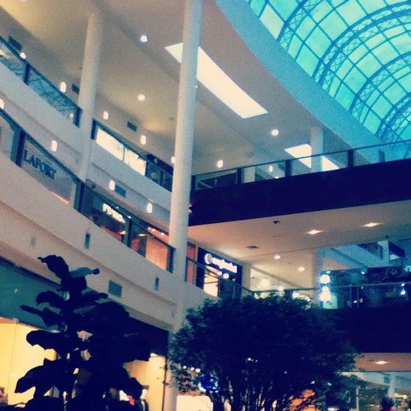 Foto tirada no(a) Shopping Crystal por Gabriel A. em 5/19/2013