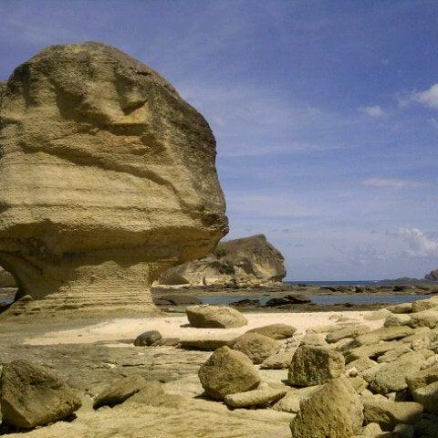 Mandalika at Batu Payung