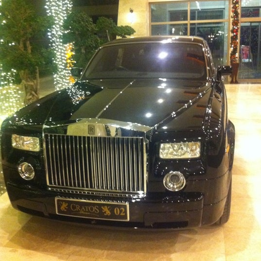 รูปภาพถ่ายที่ Cratos Premium Hotel & Casino โดย Oktay D. เมื่อ 12/30/2012