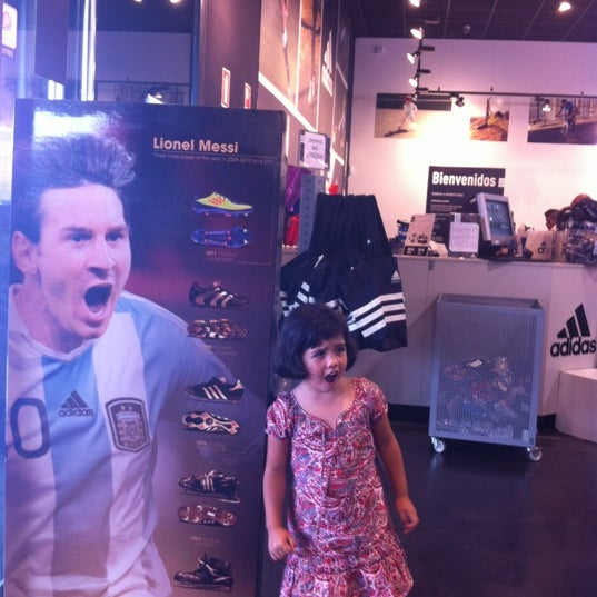 America Ocho Haz todo con mi poder  Photos at Adidas Outlet Store - Sporting Goods Shop in Camas