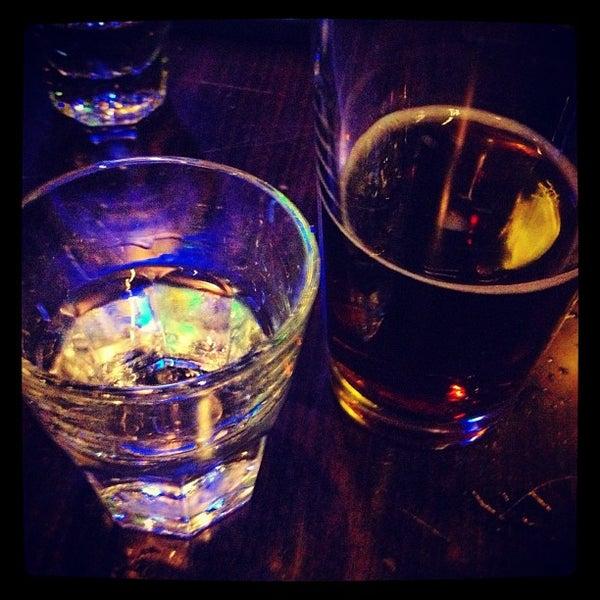 Foto scattata a OT Tavern da Rey C. il 8/10/2013